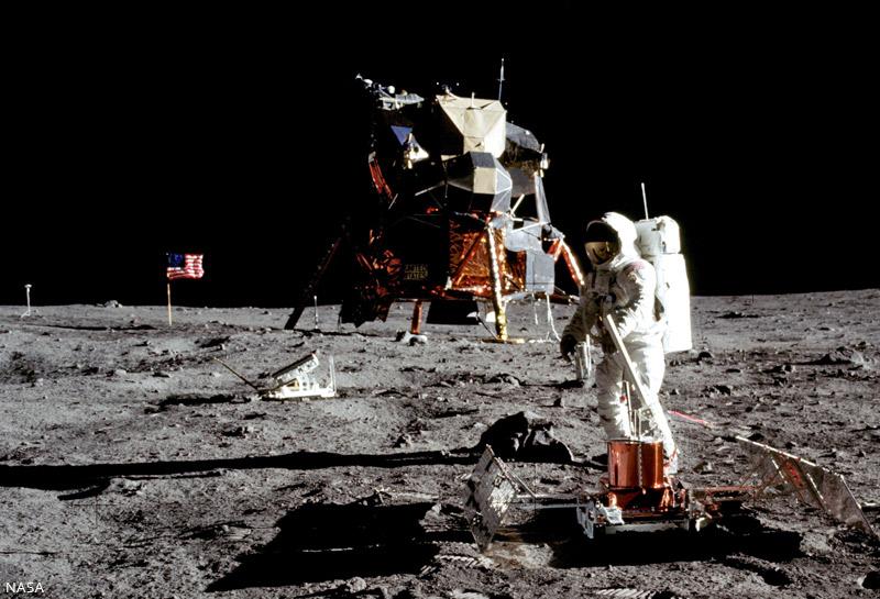 Apollo-11-NASA-01